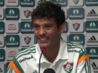 """Evangélico, jogador do Fluminense adota bigode para """"afastar as tentações"""" do Rio de Janeiro"""