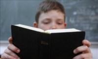 Pesquisador afirma que a sociedade resgataria seus valores caso a Bíblia voltasse a ser usada nas escolas públicas