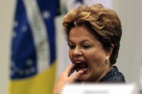 "Dilma anuncia ter apoio dos evangélicos e internautas reagem contrariamente: ""Mentira!"""
