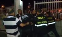 Vídeo mostra truculência de fiscais do TRE no fechamento de templos da Igreja Universal; Assista