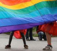 Pesquisa aponta aumento no número de igrejas evangélicas que apoiam o casamento gay