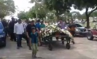 Funeral do pastor Darckson Lira reuniu familiares, amigos e fiéis emocionados com a perda