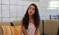 Adolescente faz apelo por tratamento contra infecção cantando música gospel nas redes sociais
