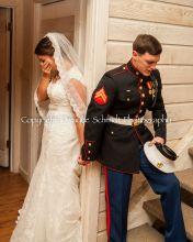 Noivos oram a Deus antes de casamento e foto do momento se torna viral nas redes sociais