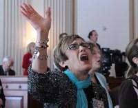 Igrejas Batistas passam a permitir que seus missionários manifestem o dom de línguas