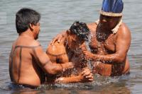 43 índios são batizados nas águas do Rio Tocantins após mais de 30 anos de evangelismo