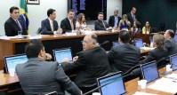 Comissão Especial da Câmara aprova definição de família como união de homem e mulher