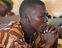 """Sob perseguição de muçulmanos, cristãos nigerianos se arriscam indo a cultos: """"Este pode ser o último"""""""