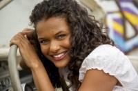 Novela I Love Paraisópolis vai mostrar evangélicos agredindo menina umbandista