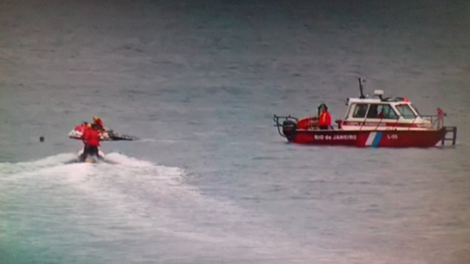CABO FRIO - Bombeiros retomam buscas por corpo de menina decapitada