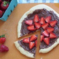 Nutella Strawberry Pizza