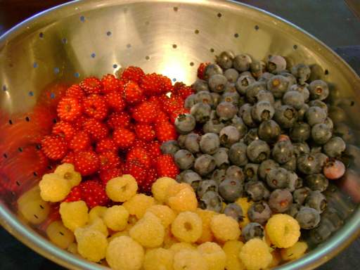 Berries, all kinds, are heart healthy fruits!