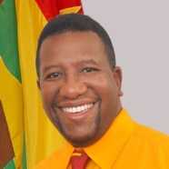 Randall Robinson promises to protest the Electronic Crimes Bill