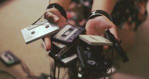#Curiosidades: ¡ Mira como crear un cassette moderno para escuchar música !