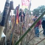 Les syndicalistes CGT parmi la foule embatonéee