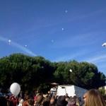 lâcher de ballons blancs depuis Saint-Brévin