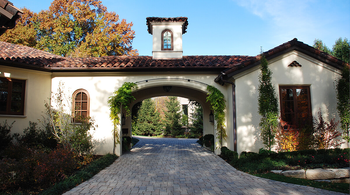 Sterling Spanish Colonial Revival Home Designed By Nspj Architects Spanish Colonial Home Nspj Architects Spanish Colonial Architecture Plans Spanish Colonial Architecture Driveway America houzz-02 Spanish Colonial Architecture