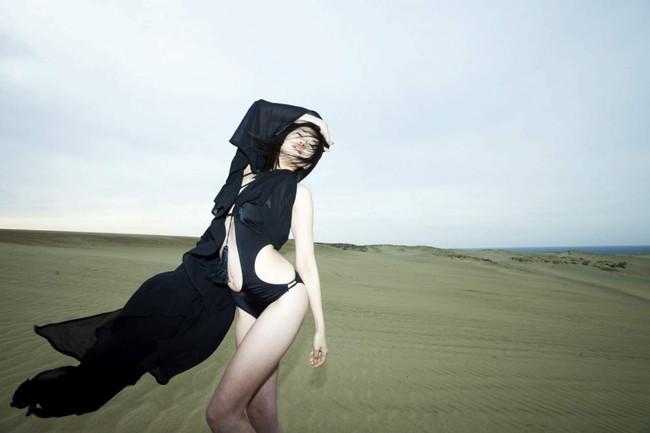 【ヌード画像】伝説級のグラビアアイドル!森下千里のセクシー画像(30枚)