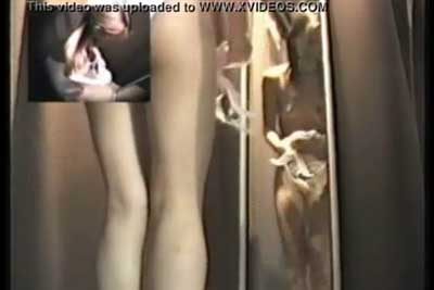 【盗撮動画】グラビアモデルさんの宣材写真を撮影しているのですが、ついでにこの娘が着替える控室に隠しカメラ仕掛けて全裸ナマ着替え盗撮しときましたww