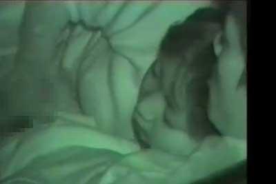 【盗撮動画】真夜中のドライブ休憩中、彼氏の性欲がマックスに達したらしく彼女に激しく手コキしてもらってる所を思い切り盗撮しちゃいました【無修正】