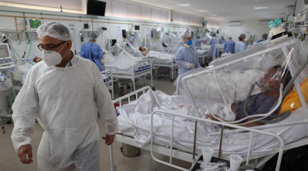 10 muertos y 960 nuevos contagios de coronavirus