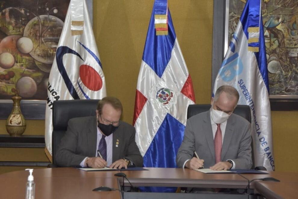 Cámara de Cuentas y Superintendencia de Bancos firman acuerdo para verificación de declaraciones juradas