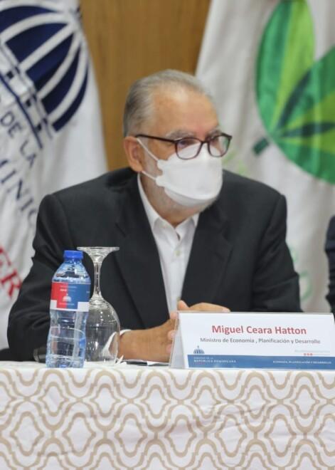Ministro de Economía anuncia no está previsto reajuste salarial del sector público