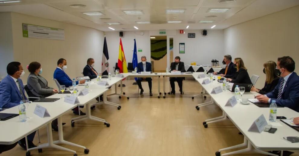 MESCYT firma acuerdos y sostiene encuentros con instituciones de educación superior españolas