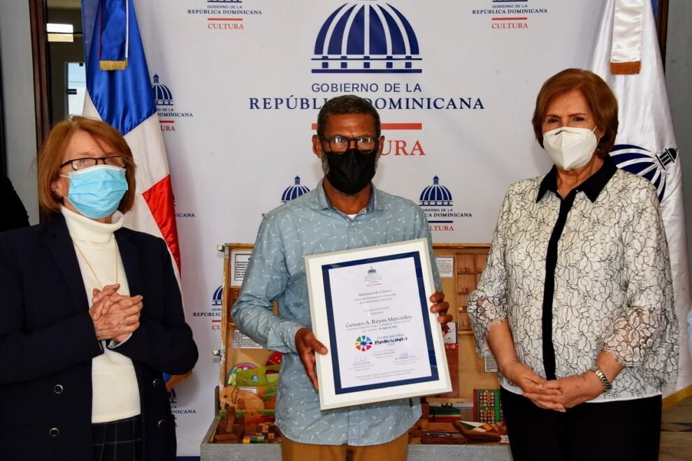 Ministerio de Cultura  entrega  Premio Nacional de Artesanía 2020