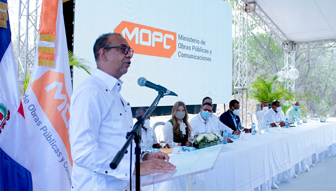 Obras Públicas inicia plan de construcción y mantenimiento de obras en comunidades de Monte Plata