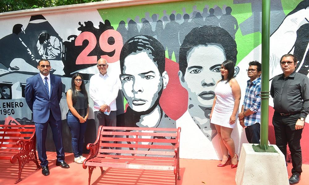"""Alcaldía de Santiago reconoce a """"Los Panfleteros"""" con un mural"""