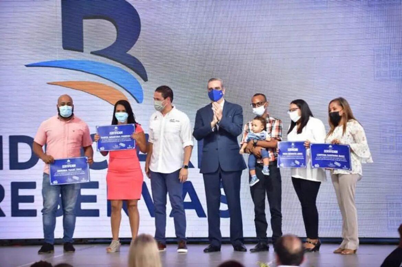 """Abinader presenta Plan """"Mi Vivienda"""" que beneficiará a 25 mil personas"""