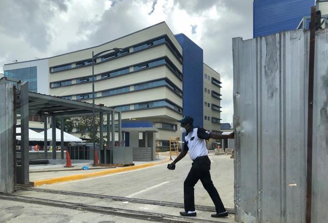 Instituto Nacional de la Vivienda invita a la puesta en funcionamiento de los edificios Materno Infantil, Consulta Externa y Administración de la Ciudad Sanitaria, Dr. Luis Eduardo Aybar, con la asistencia de Luis Abinader