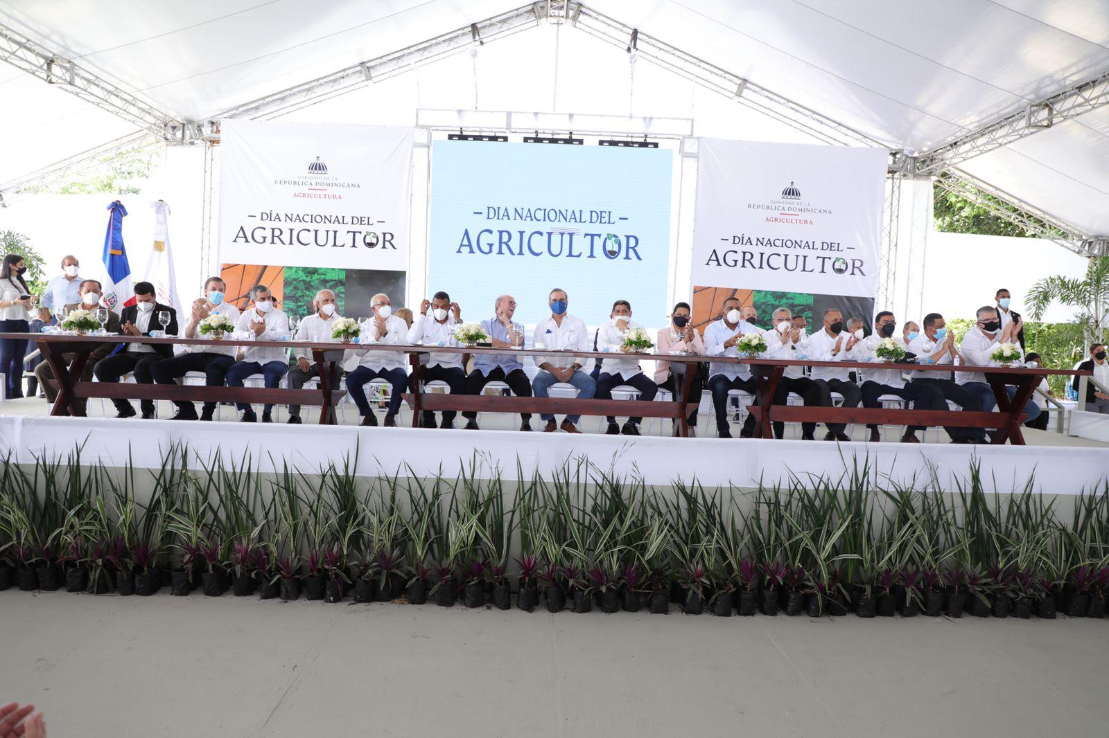 Presidente Abinader: Gobierno aumenta producción de alimentos y garantiza soluciones en el sector