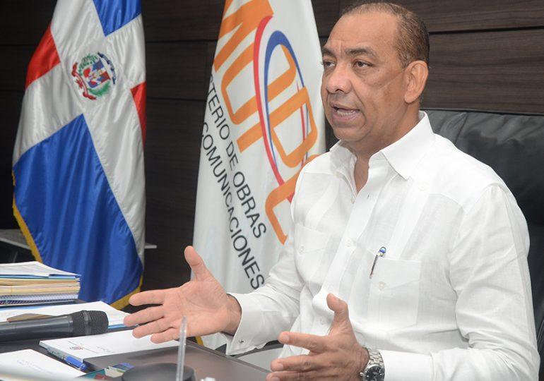 MOPC anuncia construcción de carreteras; una desde Autovía del Este con Miches y dos que comunican con El Seibo