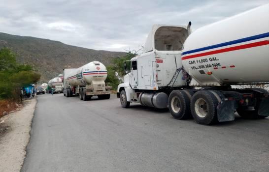 Gobierno dominicano autoriza el paso de 20 tanques de GLP hacia Haití por razones humanitarias