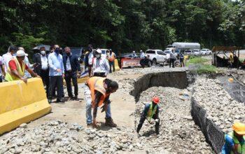 Deligne Ascención dispone reconstrucción de 5 puentes derribados por Tormenta Grace en Barahona y restablecer el paso por el de Las Tres Luces en Neiba