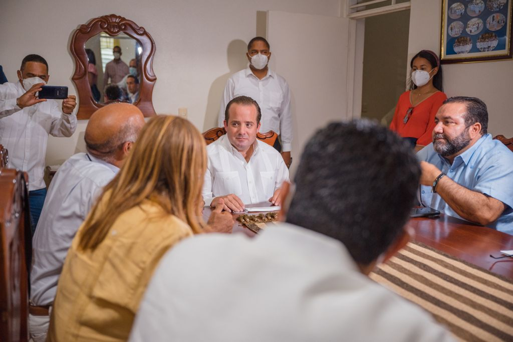 Ministro José Paliza entrega fondos para la adecuación del Santo Cerro*