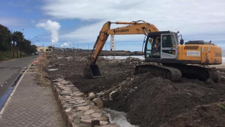 Ya comenzó la construcción del nuevo ingreso a Playa Grande en Huasco