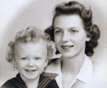 A Mother I Cannot Find Again: Memoir --- Robert Day
