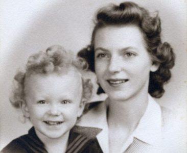 A Mother I Cannot Find Again: Memoir --- Robert Day