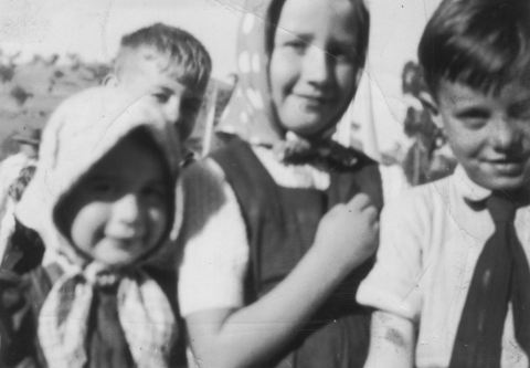 F_With my big sister and a friend ('1949')