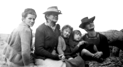Family 1946