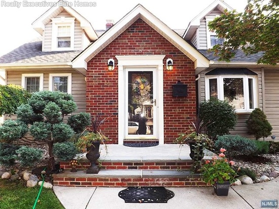 Open House in Nutley - Sunday 12-3pm at 232 High St