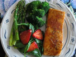 Sophisticated Shoes Salmon Asparagus Spinach Salad 017 1024x768 What Goes Good Rice Salmon Cakes Salmon Dinner What Goes Good
