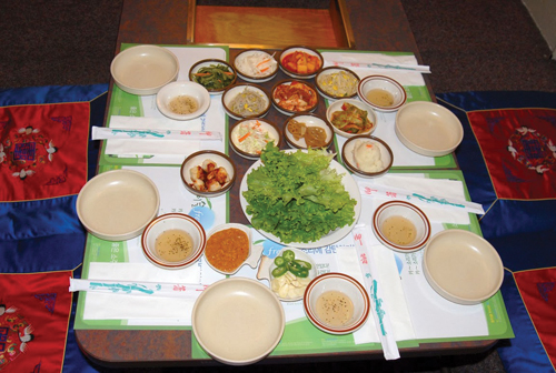 http://i1.wp.com/nwasianweekly.com/wp-content/uploads/2010/29_02/wayne_korean.JPG?resize=500%2C336
