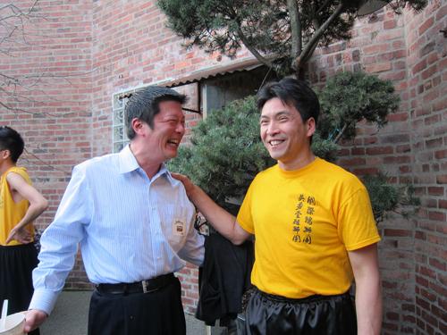 http://i1.wp.com/nwasianweekly.com/wp-content/uploads/2013/32_22/blog_friendship.JPG?resize=500%2C375