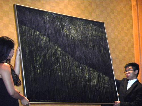 http://i1.wp.com/nwasianweekly.com/wp-content/uploads/2013/32_34/blog_artwork.JPG?resize=500%2C375