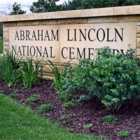 Abraham_Lincoln_National_cemetery_fi