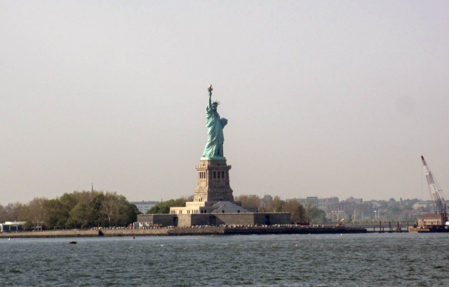 statenislandferry_2013_view_of_the_statue_of_liberty_01
